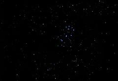 M45 Pléyades Kyiv 16.11.18 [Юпитер 37А 135mm f3.5, 4sec, 65light, 21darck, 1600iso max, 4min20sec DSS-FITS-LightRoom] original cut changed 6 DSSg25-8 [4x3] (AleXBlackCat) Tags: m45 pléyades astro astrophoto astronomy night sky nightsky kiev ukraine olympus e520
