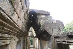 Angkor_Baphuon_2014_12