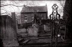 Presbytère à Pécrot (Gauthier V.) Tags: zorki1 industar50 rural cimetière tombes pécrot brabantwallon belgium