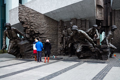 Warsaw Uprising Monument (jlben Juan Leon) Tags: aok carlzeiss carlzeissdistagon3514zm leica leicam leicam240 leicamtyp240 leicamtype240 poland polonia varsovia warsaw zeissdistagont1435zm zeisst1435