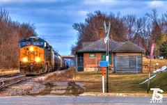 1/2 CSX 3297 Leads WB L571 Manifest Ackley, IA 12-23-18 (KansasScanner) Tags: iowafalls ackley iowa bradford train railroad csx cn up iarr