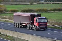 YX13 UEJ (panmanstan) Tags: daf cf wagon truck lorry commercial bulk freight transport haulage vehicle m62 motorway sandholme yorkshire