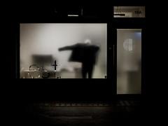 five o'clock (Peter Murrell) Tags: silhouette streetphotography lowlight hometime 5pm londonstreetphotography 50mm nikon50mm18g