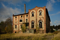1911 distillery (jkatanowski) Tags: urbex urban exploration europe decay abandoned forgotten lost broken destroyed rust dust industry industrial sony a7m2 outdoor sky building tree ruins chimney postindustrial architecture 1740mm