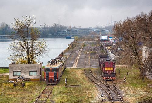 Šroty v prístave | 241.002 + 362.034 SŽ + 742.053 | Bratislava-Pálenisko (Zimný prístav)