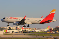 Iberia / Airbus A320-200N / EC-MXU (duartemanhita spotter) Tags: iberia iberiaexpress airport airplane airlines airbus airbuslovers airbusneo a320 airbus320 a320200 a320neo airbus320neo neo fly follow followme views commercialflight planespotter plane photographer lisbonairport lisbon lppt like livery land