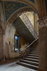 (ilConte) Tags: abandoned abbandono villa italy italia scale stairs treppe ar architettura architecture architektur