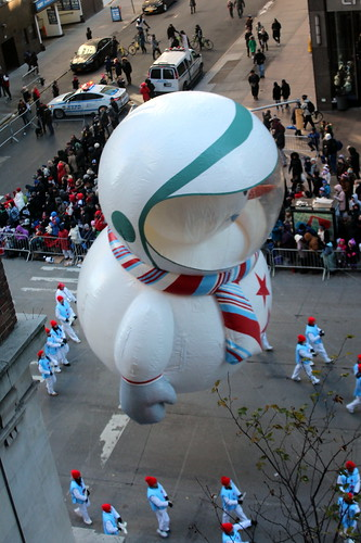 2018 Macy's Thanksgiving Day Parade - Sunny the Snowpal