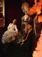 Loge des comédiens (Raymonde Contensous) Tags: muséedesartsforains thêatredumerveilleux festivaldumerveilleux personnagesdecire musée pavillonsdebercy paris costumes