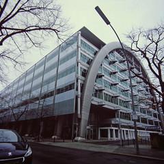 Börse Berlin 2.2.2019 (rieblinga) Tags: berlin börse gebäude city west 222019 analog rollei 6008 fuji rdp ii e6 diafilm