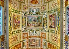 Vaticaan Museum - Plafondschildering (PortSite) Tags: 2018 gerard gh krol nikon d3s vatican city città del vaticano vaticaanstad kaartengalerij la galleria delle carte geografiche ignazio danti girolamo muziano cesare nebbia plafond ceiling painting pittura soffitto decoration