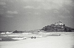 Igreja vista da praia (vmenduina1) Tags: prakticasupertl film35mm berggerpancro400 beroflex35mm
