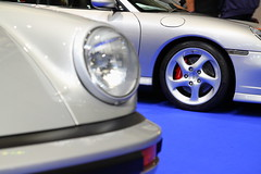 Porsche 911 (JoRoSm) Tags: lancaster insurance classic motor show nec birmingham car cars automobile auto nationalexhibitioncentre carshow 2018 sports performance classics yesteryear polished rides wheels canon 500d tamron porsche porker german supercar old 911 carrera silver details turbo wheel headlight red caliper drilled brake disc coupe gt fast high eos transport national exhibition centre indoor