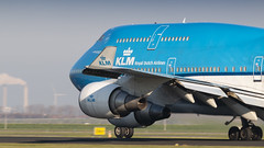 KLM 747-400 rocketing out of Amsterdam for Chicago (Nicky Boogaard) Tags: amsterdam amsterdamairport schiphol amsterdamschipholairport schipholairport winterlight polderbaan 18r36l boeing747 747400 klm phbft
