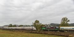 29_2018_10_04_Neukirchen_5411_081_DB_ICE_Horb_am_Neckar ➡️ Bad_Hersfeld_6193_274_ELOC_ TXLOGISTIK_LKW_Walter_Transped_KV ➡️ Fulda (ruhrpott.sprinter) Tags: ruhrpott sprinter deutschland germany allmangne nrw ruhrgebiet gelsenkirchen lokomotive locomotives eisenbahn railroad rail zug train reisezug passenger güter cargo freight fret haunetal neukirchen badhersfeld fulda akiem atlu brll db dispo eloc hctor mt rtssbbc 242 1203 1218 4482 5411 6152 6182 6185 6187 6193 7380 703 duvenbeck ell ice wienerlokalbahnencargo swietelsky logo natur outdoor graffiti nebel