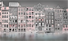 Liquid Gardens • amsterdam (bert • bakker) Tags: damrak amsterdam houses huizen nederland thenetherlands nikon50mm18g