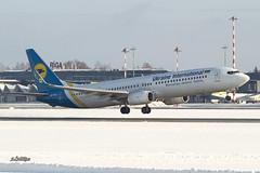 A56A0336@L6 (Logan-26) Tags: boeing 7379kver urpsj msn 41535 ukraine international airlines riga rix evra latvia airport aleksandrs čubikins winter snow