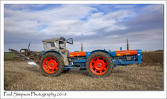 Fordson Super Major (Paul Simpson Photography) Tags: farming farm tractor machinery field october2018 paulsimpsonphotography sonya77 ploughing plough fordson supermajor fordtractors england lincolnshire imagesof imageof photoof photosof transport farmtransport
