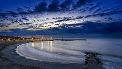 Nocturno en la Playa del Puerto (Fotgrafo-robby25) Tags: alicante costablanca fotografíanocturna marmediterráneo puertodetorredelahoradada reflejosenelagua sonyilce7rm3 torrevigíadelapuntadelahoradadadelsigloxvi