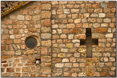 O+, Monestir de Sant Feliu de Guíxols (el Baix Empordà) (Jesús Cano Sánchez) Tags: elsenyordelsbertins canon eos20d tamron18200 enunlugardeflickr catalunya cataluña catalonia gironaprovincia emporda ampurdan baixemporda bajoampurdan santfeliudeguixols monestir monasterio monastery romanic romanico romanesque catalunyaromanica catalunyamedieval middleages