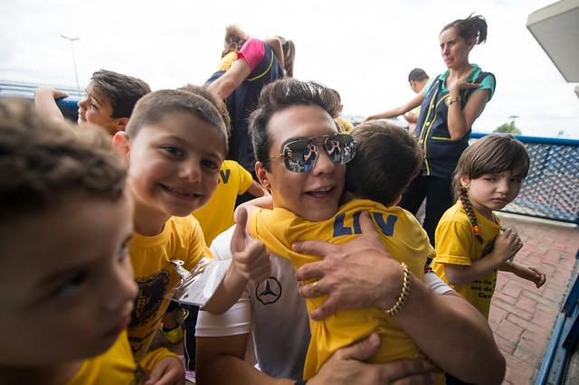 30/11/18 - Visita das crianças da LBV na Copa Truck em Curitiba - Fotos: Duda Bairros