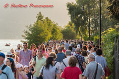 Lago d'Iseo, The Floating Piers (Stefano Procenzano) Tags: lagodiseo bs italia it floatingpiers thefloatingpiers lago lac lake iseo d750 nikond750 nikon nikkor 24120mm 24120mmf4 f4 people crowd folla 24120mmf4gvr