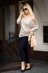 beeanddonkey_sweter_asymetryczny_bezowy (beeanddonkey) Tags: beeanddonkey bee donkey sweter sweater knitted knitwear madeinpoland tarnowskie góry silesia moda fashion dzianina