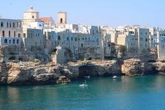 Polignano A Mare (bobgarage) Tags: polignano sea mare italia blusky apulia italy blusea summer