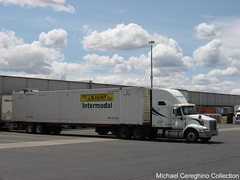 Walmart International 9400i with J.B. Hunt container, Truck# 6-1485 (Michael Cereghino (Avsfan118)) Tags: walmart transportation trucking semi international 9400i 9400 ih jb hunt container intermodal