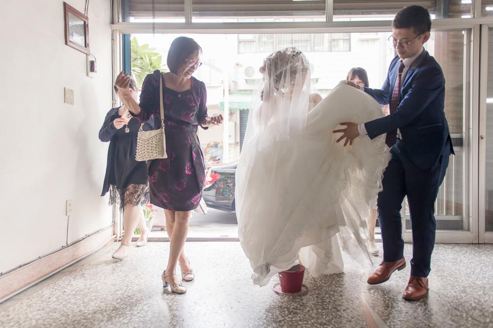 台南東東宴會式場 婚宴 走在幸福的紅毯上 R & B 078