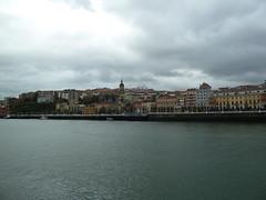 Portugalete cargado de nubes (eitb.eus) Tags: eitbcom 14179 g1 tiemponaturaleza tiempon2018 paisajes bizkaia portugalete mikelotxoa