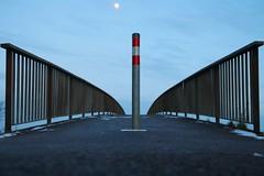 stop (Wackelaugen) Tags: pole bridge fence moon canon eos photo photography stephan wackelaugen