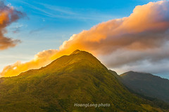 _Y2U3582.1218.Ô Qúy Hồ.Bản Khoang.Sapa.Lào Cai. (hoanglongphoto) Tags: asia asian vietnam northvietnam northwestvietnam landscape scenery vietnamlandscape vietnamscenery vietnamscene sapalandscape sunset sky bluessky cloud mountain topmountain flanksmountain mountainouslandscape sunsetinsapa hdr canoneos1dsmarkiii canonef70200mmf28lisiiusm tâybắc làocai sapa bảnkhoang ôquýhồ phongcảnh hoànghôn phongcảnhsapa hoànghônsapa núi đỉnhnúi sườnnúi bầutrời bầutrờimàuxanh mây