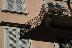 bellaitalia liguria la spezia (michael_obst) Tags: liguria bellaitalia street building sony laspezia buildingfront architecture shadows balcony tamron tamronlens oldglass tamron79d 79d