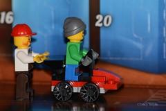 Push (337/365) (Tas1927) Tags: 365the2018edition 3652018 day337365 03dec18 lego minifigure minifig