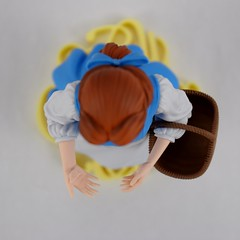 EXQ-starry Belle Figure By Banpresto - Deboxing - Assembly - Belle on Base - With Basket (drj1828) Tags: exqstarry 85inch 220mm blue princess belle banpresto vinyl figure purchase beautyandthebeast animated disney crane claw prize deboxing assembly