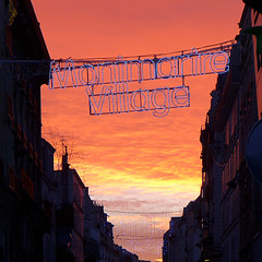 190118a1 (bbonthebrink) Tags: paris january 2019 sunrise orange pink montmartre village