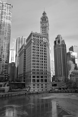 Wrigley Building - Chicago - Winter 2019 (James J. Novotny) Tags: wrigleybuilding chicagoarchitecture architecture d750 nikon chicago downtown unlimitedphotos bw blackandwhite