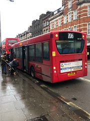 Ex-Kings Cross Dart doing the Wembley duties. And looking pretty dirty too. | Metroline London Enviro 200 Dart on the 206 to Wembley, The Paddocks. (alexpeak24) Tags: