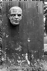 Walled head. (elcio.reis) Tags: brasil sãopaulo nikon brazil bw blackwhite escultura pb arte sculpture art br