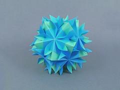 Edelweiss (masha_losk) Tags: kusudama кусудама origamiwork origamiart foliage origami paper paperfolding modularorigami unitorigami модульноеоригами оригами бумага folded symmetry design handmade art