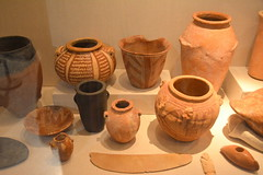 Chicago, IL - University of Chicago - Oriental Institute - Egyptian - Predynastic Objects (jrozwado) Tags: northamerica usa illinois chicago universityofchicago university museum orientalinstitute middleeast neareast history archaeology egyptian jar bowl predynastic