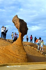Queen's Head (Seventh Heaven Photography *) Tags: yehliu geopark queens head rock formation sky blue people persons taiwan
