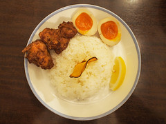 Fried Chicken and Rice and Boiled Eggs (INZM.) Tags: japan yokosuka food 秋谷 南葉亭 カレー スープカレー nanyoutei curry soup soupcurry 湘南 葉山 hayama 逗子 zushi shonan japanfood japanese japanesefood マンスリースペシャル monthlyspecial special monthly かき 牡蠣 牡蠣カレー ザンギ 唐揚げ チキン chicken 煮卵 煮玉子 玉子 たまご ライス rice chowderstylesoupcurryofhiroshimalargegrainoyster chowderstyle hiroshima largegrain oyster chowder 広島産大粒カキのチャウダー風スープカレー 広島産 大粒 カキ チャウダー風 トッピング topping dinner lunch