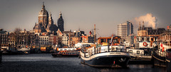 Amsterdam XVI (rodriguesfhs) Tags: rodriguesfhs marina harbor cityscape skyline city canal ship boat amsterdam netherlands nl architecture water urban buildings cathedral boats tour tourboat holland