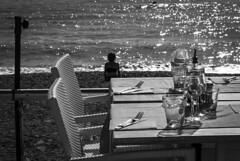 Waiting for dinner in Menton, France 19/10 2018. (photoola) Tags: menton strand servering sv monochrome blackandwhite dinnertable beach france photoola