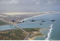Formação dos caças na CRUZEX 2018 (Força Aérea Brasileira - Página Oficial) Tags: 2018 a1m a4 a4skyhawk af1 amx bra brasil brazil brazilianairforce braziliannavy chl cruzex cruzex2018 cessnaa37dragonfly chile dassaultmirage2000p embraer f16c f5 f5etigerii f5em fab fach fighter forcaaereabrasileira forçaaéreabrasileira fotobiancaviol generaldynamicsfokkerf16amfightingfalcon generaldynamicsf16amfightingfalcon generaldynamicsf16cfightingfalcon generalelectricj85 m2000p mb marinhadobrasil mcdonnelldouglasaf1skyhawk mediaflight natalrn northropcorporation peruairforce usa usaf aeronave aircrat airplane avião caça monoplace sobrevoo turbofan turbofanrollsroycespey807 turbojato turbojet voo