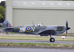 Spitfire (Graham Paul Spicer) Tags: vickers supermarine spitfire warplane fighter raf royalairforce fightercommand ww2 battleofbritian military preserved vintage aircraft plane flying aviation bigginhill airport londonbigginhill historic airfield airshow display planes festivalofflight