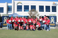 2018_T4T_LA Chargers STS 47 (TAPSOrg) Tags: taps tragedyassistanceprogramforsurvivors teams4taps ca california la lachargers 2018 nfl practice salutetoservice military outdoor horizontal redshirt group posed