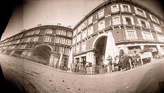Plaza Mayor, Madrid (pinhole) (robertrutxu) Tags: pinhole estenopo estenopeica lensless ilford epsonv370 papera stenope developed revelado scanner madrid